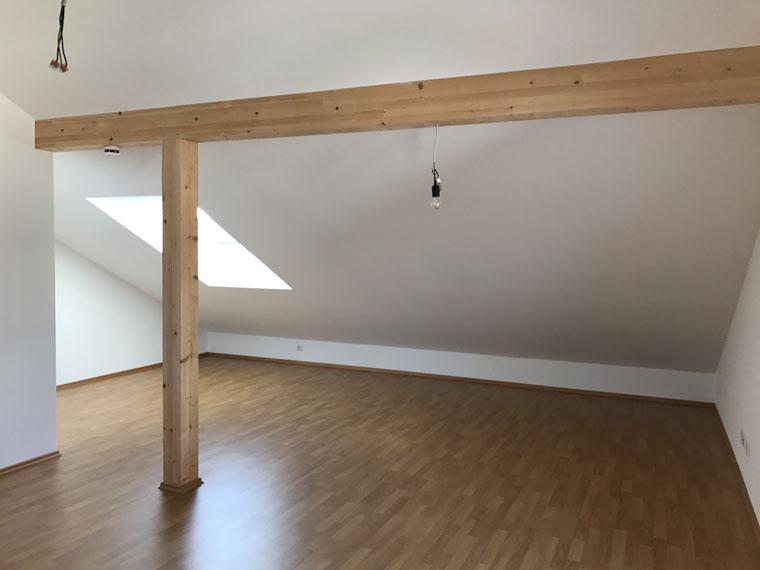 Dachgeschoss mit Dachschräge