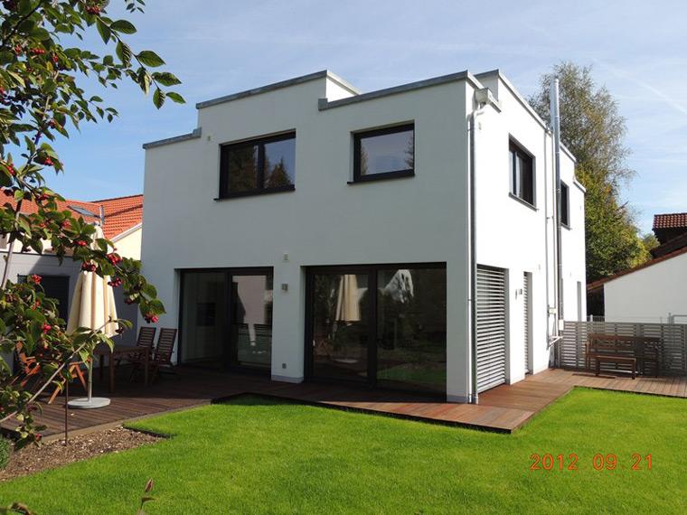 Einfamilienhaus mit Garten und Terrasse in Ottobrunn