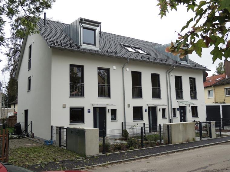 Reihenhaus von der Zehetner Plan + Bau GmbH in Trudering